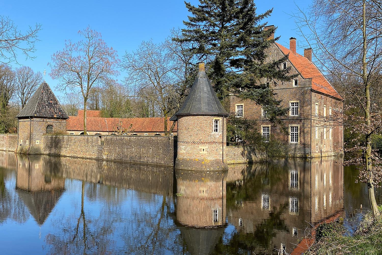 Wasserburg Haus Welbergen   Namensgeberin der Künstlervereinigung Welbergener Kreis e.V.   Ansicht 3