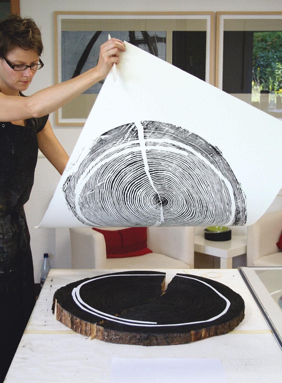 Archivaufnahme [2007]   Arbeitsprozess   Handabzug einer Baumscheibe